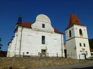 kostel-sv-martina-se-zvonici